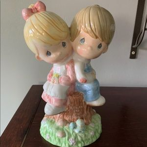 EUC VINTAGE PRECIOUS MOMENTS PIGGY BANK